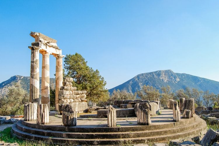 delphi greece, temple of apollon
